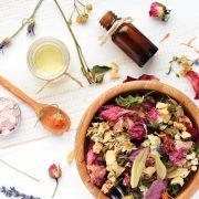 Zutaten für die Aromatherapie und Pflanzenheilkunde